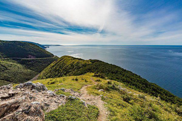 Cabot Trail, Cape Breton, Nuova Scozia, Canada (Tony Webste, CC BY-SA 2.0, Wikicommons)