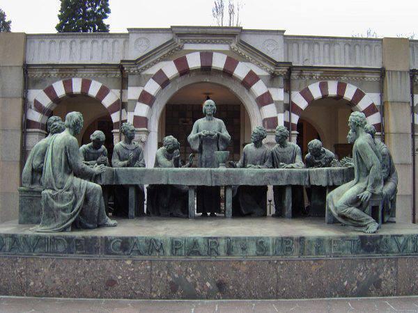 L'ultima cena, Cimitero monumentale di Milano (Pe-Jo, CC BY-SA 3.0, Wikicommons)