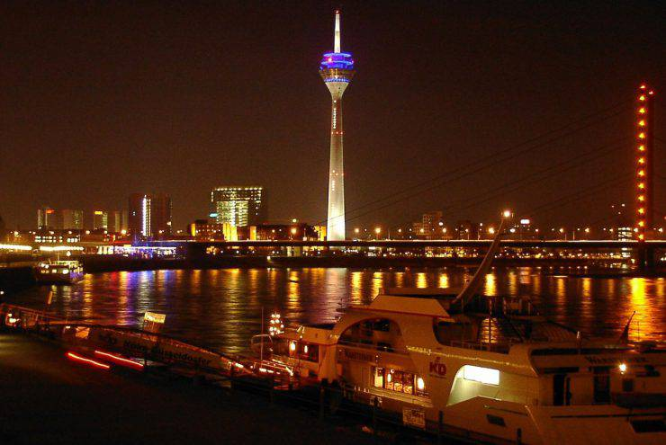 Düsseldorf, Germania (Rainer Driesen, CC BY-SA 3.0, Wikicommons)