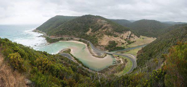 Great Ocean Road, Australia (Diliff, CC BY-SA 3.0, Wikipedia)
