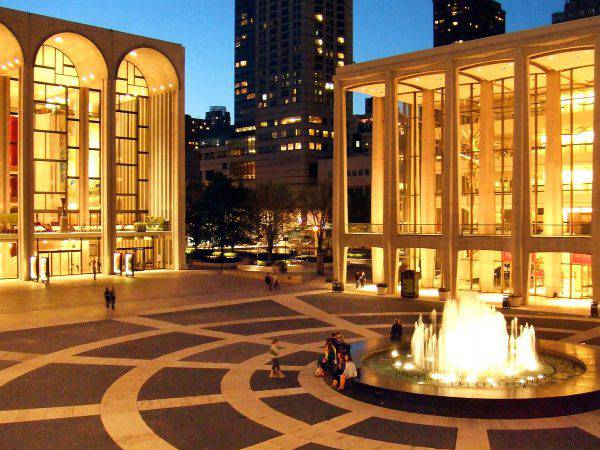 Lincoln Center, New York ( Nils Olander from Panoramio, GFDL, Wikipedia)