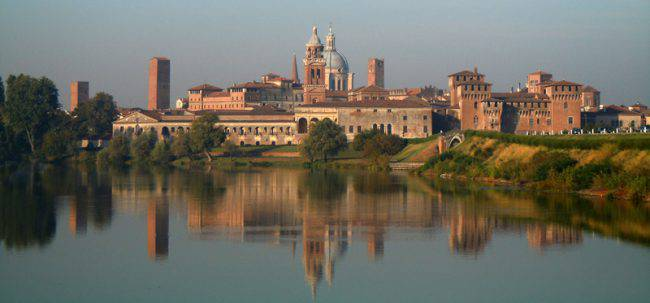 Mantova (Massimo Telò, CC BY-SA 3.0, Wikipedia)