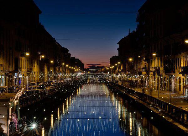 Navigli, Milano (harmishhk, CC BY-SA 2.0, Wikicommons)