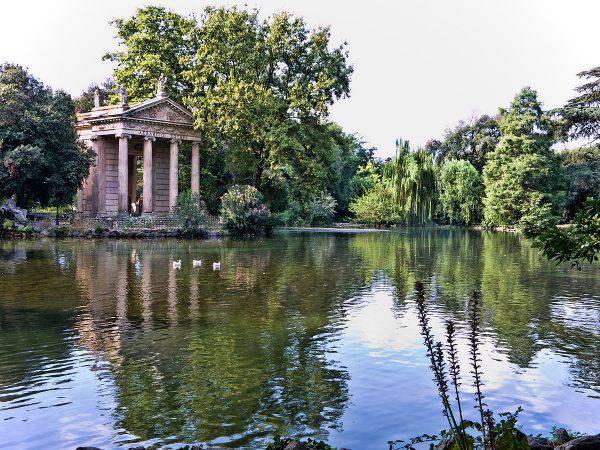 Villa Borghese, Tempio di Esculapio (Jean-Christophe BENOIST, CC BY 3.0, Wikicommons)