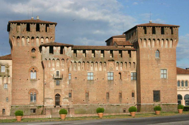 Castello di San Giorgio, Mantova (Anna Zacchi, CC BY 2.5, Wikipedia)