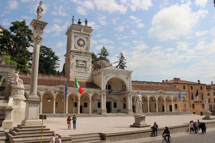 Udine, Piazza della Libertà (Creando, CC BY-SA 3.0, Wikicommons)