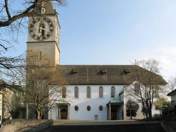 Zurigo, chiesa di San Pietro (Roland zh, CC BY-SA 3.0, Wikicomons)