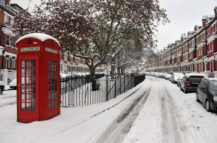 Londra neve cabina telefonica