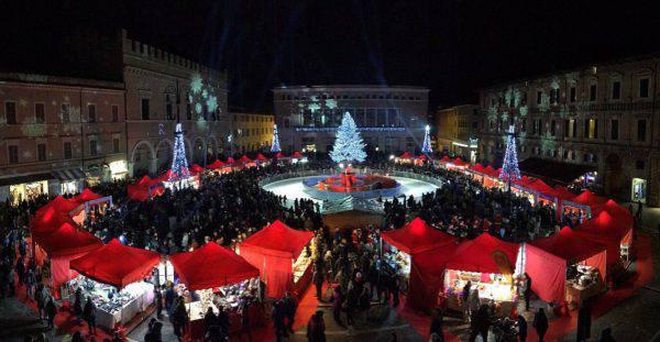 Mercatini di Natale a Pesaro (www.turismopesaro.com)