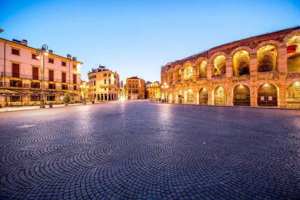 Verona, Piazza Bra e l'Arena (iStock)