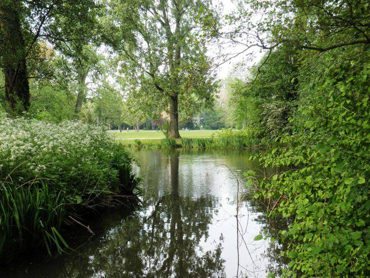 Vondelpark, Amsterdam (Ariel Palmon, CC BY-SA 3.0, Wikicommons)