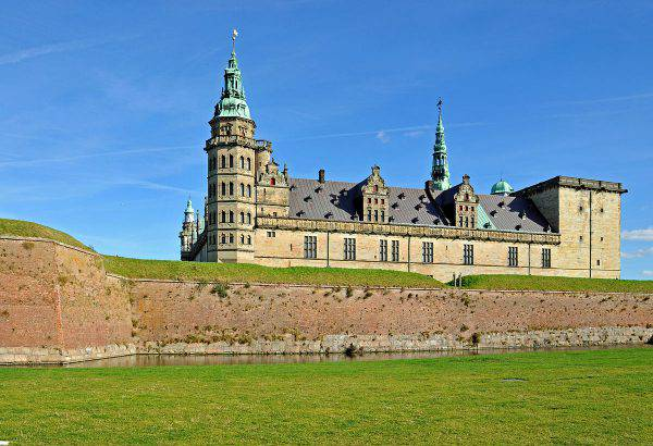 Castello di Kronborg (Dennis Jarvis, CC BY-SA 2.0, Wikicommons)