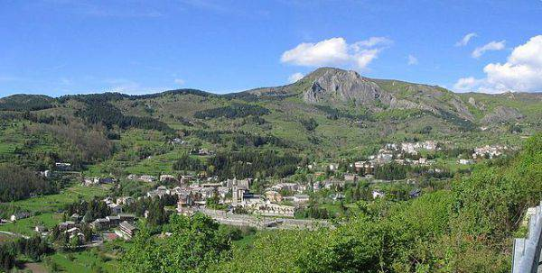 Santo Stefano D'Aveto (vengomatto from Italia, CC BY-SA 2.0, Wikicommons)