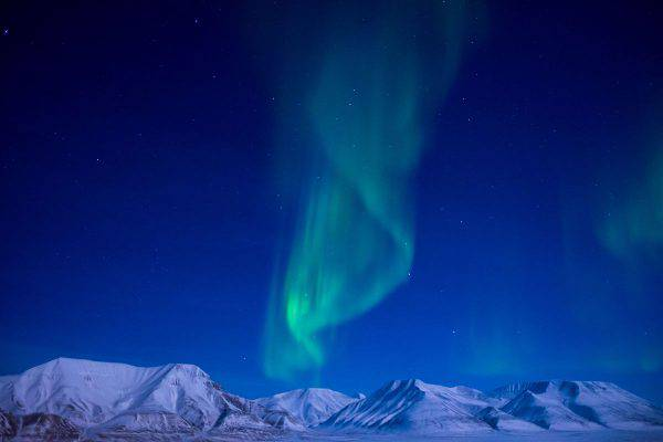Aurora boreale alle Svalbard (Frode Ramone, CC BY 2.0, Wikicommons)