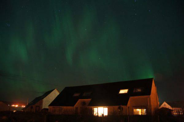 Aurora boreale, Isole Shetland, Scozia (Mike Pennington, CC BY-SA 2.0, www.geograph.org.uk)