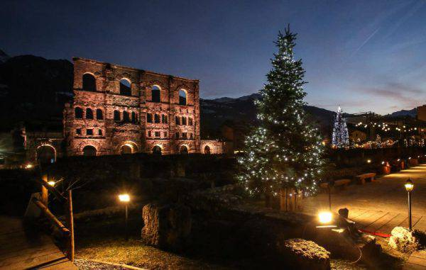 Mercatino di Natale di Aosta (www.lovevda.it)