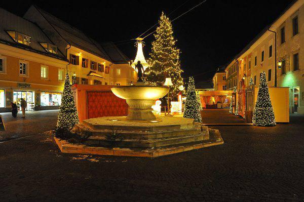 Sankt Veit an der Glan, Carinzia, Austria (Johann Jaritz, CC BY-SA 3.0, Wikicommons)