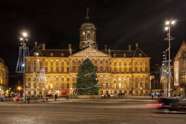 Piazza Dam, Amsterdam (iStock)