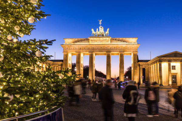 Albero di Natale 2016 alla Porta di Brandeburgo, Berlino (iStock)