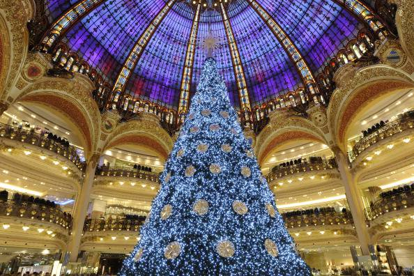 Galeries Lafayette a Natale, Parigi (BERTRAND GUAY/AFP/Getty Images)