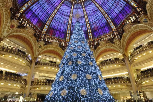 Galeries Lafayette a Natale, Parigi (BERTRAND GUAY/AFP/Getty Images)
