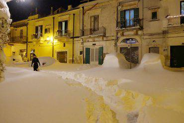 snow italy