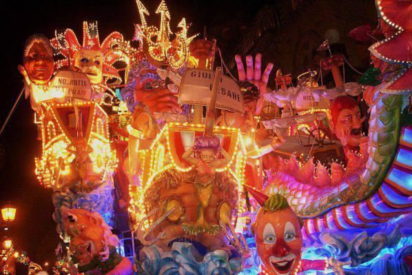 Carnevale Strianese 2018 con carri allegorici, maschere, spettacoli e intrattenimento