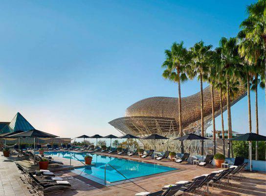 Piscine con vista le pi belle e panoramiche del mondo - Hotel piscina barcellona ...