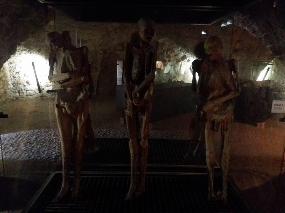 Le mummie di Ferentillo / autore Lorenzo Ceccarelli