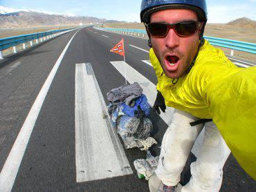 Rob Thompson ed il giro del mondo in skateborad fonte youtube
