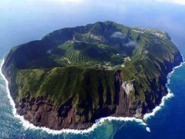 isola di Aogashima web source