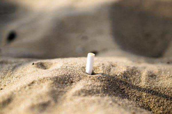 divieto di fumo in spiaggia.