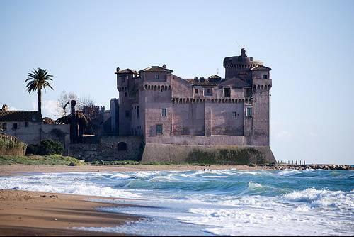 Dormire in un castello sul mare, un sogno che sarà presto realtà
