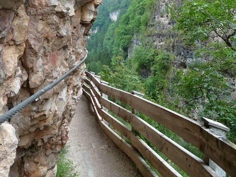 Sentiero nella roccia fonte Trentino.com