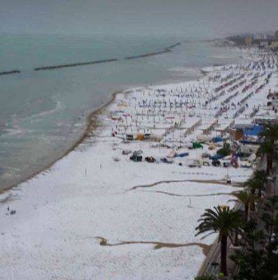 marche-meteo-spiaggia-grandine