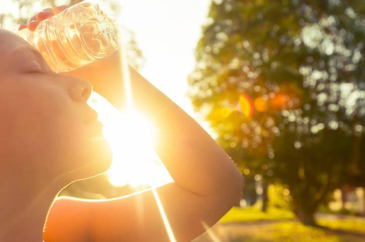 Allerta caldo: da domani ondata di calore, attivo il numero verde