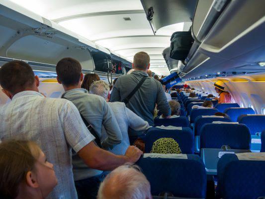 posti in piedi in aereo