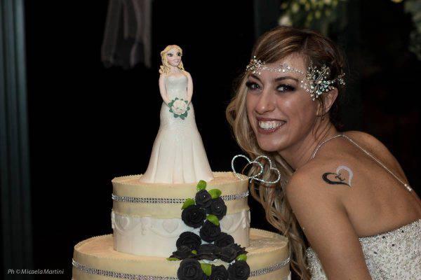 Marocco, la polizia interrompe la festa di una sposa bambina