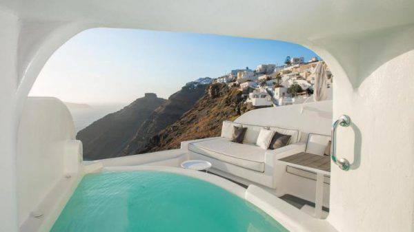 A santorini c 39 l 39 hotel con la stanza pi bella del mondo - Hotel con piscina privata grecia ...