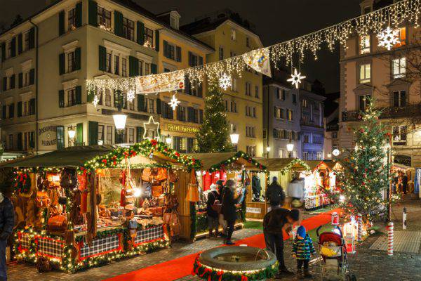 Addobbi Natalizi Zurigo.Mercatini Di Natale 2017 Lo Spettacolo E La Magia A Zurigo