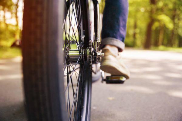 bicicletta-pista-ciclabile