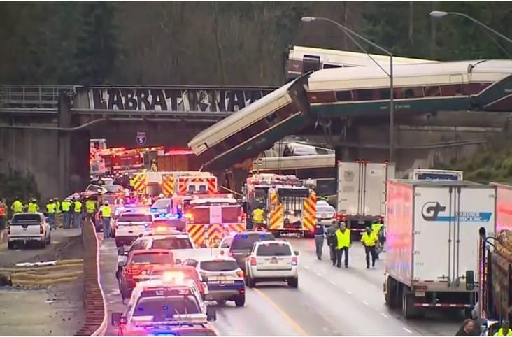 Usa: deraglia treno a sud di Seattle, diversi morti