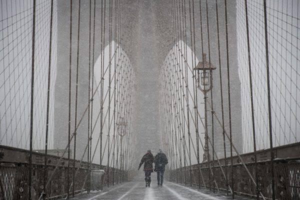 """New York sotto la tempesta """"ciclone bomba"""""""