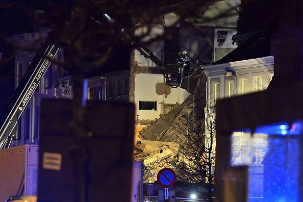 Belgio, crollo ad Anversa: la palazzina prima e dopo l'esplosione