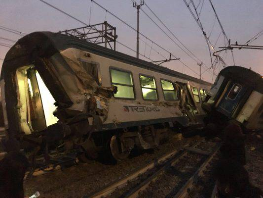 deraglia treno a milano