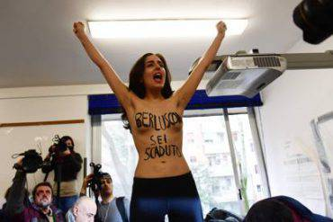 Femen in toppless contro Berlusconi