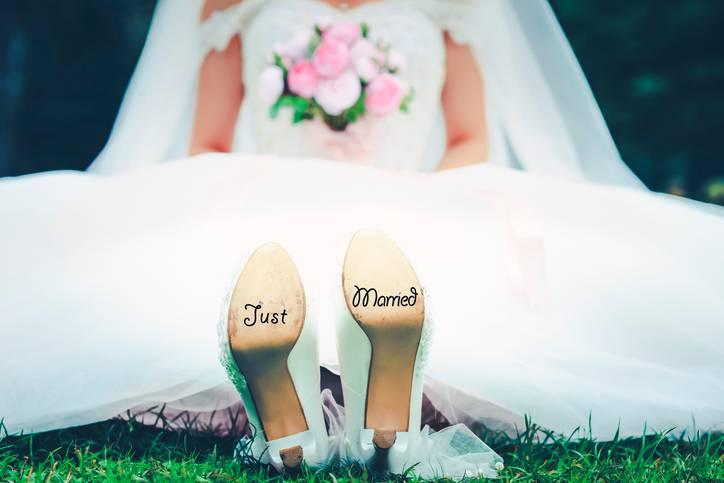 matrimonio donna vende marito