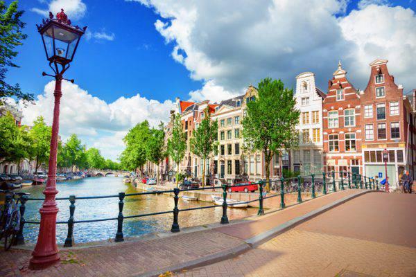 voli low cost amsterdam