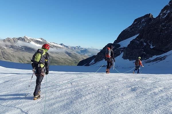 Alpi svizzere, morti quattro alpinisti dopo notte a quota 3.200 -2