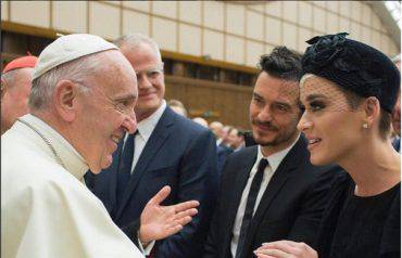 Katy Perry e Orlando Bloom da Papa Francesco